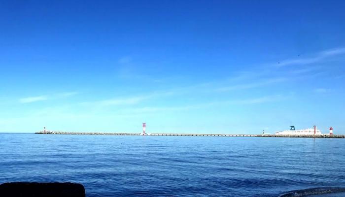 Роспотребнадзор подтвердил качество и безопасность морской воды в сочинской акватории.